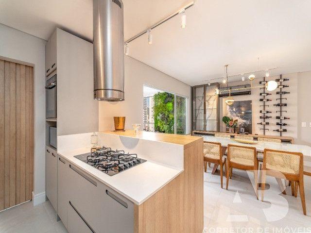 Apartamento mobiliado, equipado e decorado, 03 suítes, sacada com espaço gourmet, 02 vagas - Foto 11
