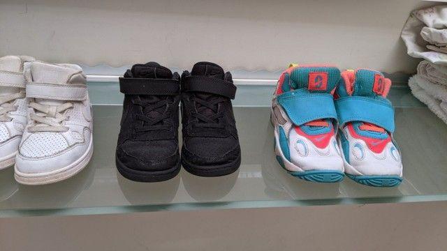 3 Nikes infantis