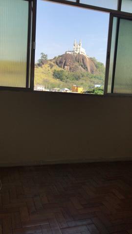 Apartamento na Penha 2 quartos sala, ótima planta - Foto 5