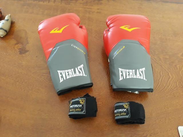 Luvas de Boxe Everlast Pro Style 16 OZ 2eff2e47ab741