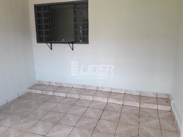 Casa para alugar com 3 dormitórios em Santa mônica, Uberlândia cod:862190 - Foto 13