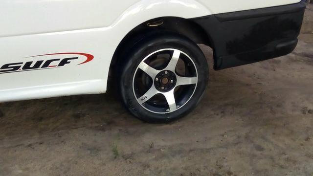 Jogo de rodas 15 com Pneus Obs: Aceito troca em Rodas 14 de ferro com pneus - Foto 3