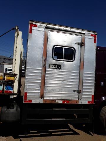Caminhão com cabine suplementar - Foto 5