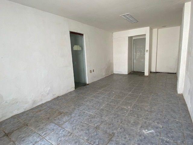 Imóvel comercial em Olinda na avenida PE-15, 9 salas, 12 vagas, 4 wc's - Foto 17