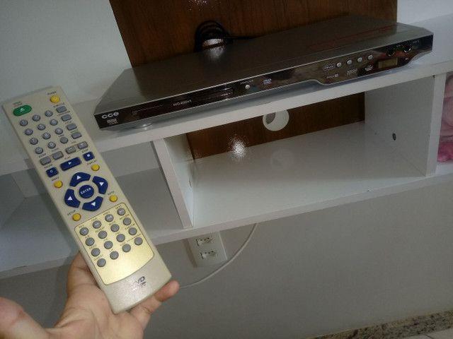 DVD bem conservado com entrada USB