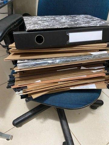 Vendo carimbos e pasta para arquivos