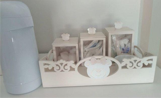 Bandeja Kit Higiene Ursa + 3 potes + Agueiro + Garrafa Térmica. Do ateliê Rita Hosken - Foto 2