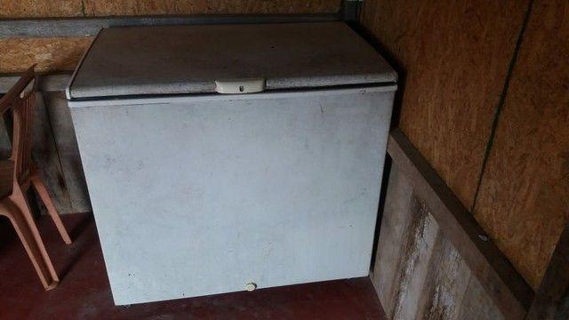 Vende se esse freezer em perfeito estado de conservação