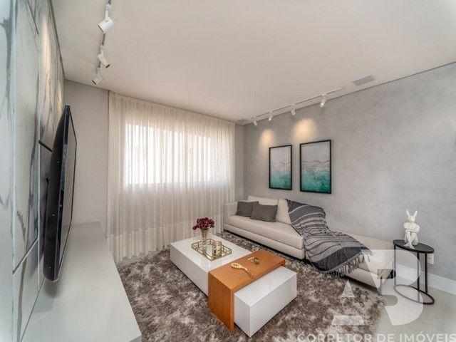 Apartamento mobiliado, equipado e decorado, 03 suítes, sacada com espaço gourmet, 02 vagas - Foto 4