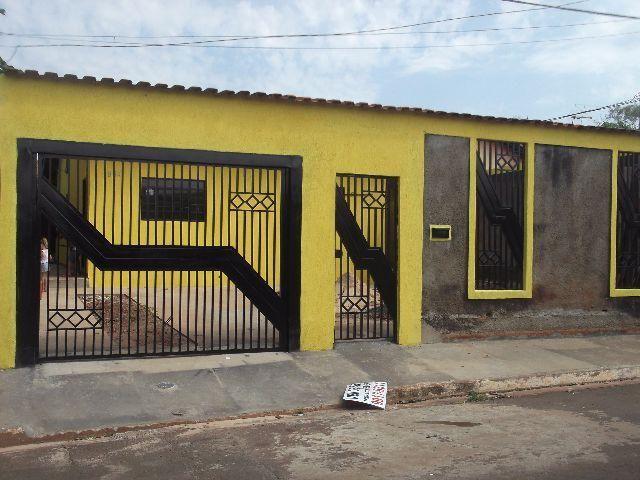 Excelente espaço 01 suíte e 02 quartos- Zé Pereira