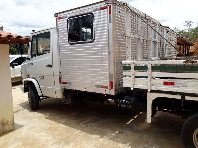 Caminhão com cabine suplementar - Foto 10