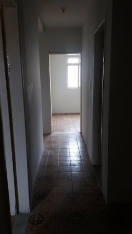 Alugo apartamento 3 quartos - Foto 10