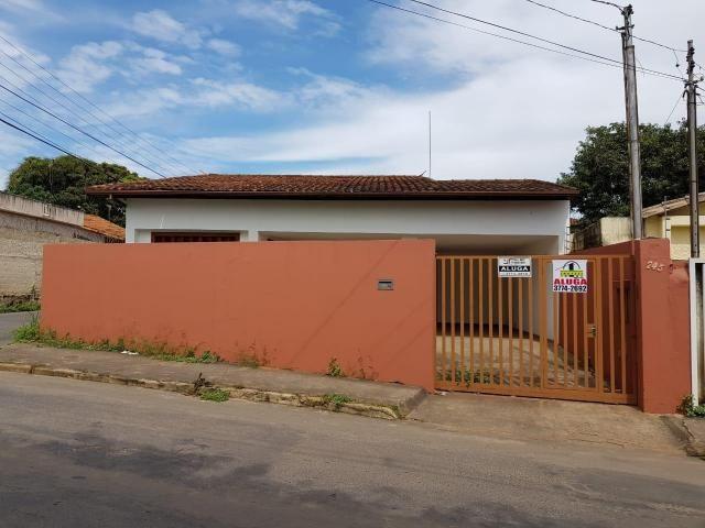 Casa para aluguel, 3 quartos, 2 vagas, Boa Vista - Sete Lagoas/MG