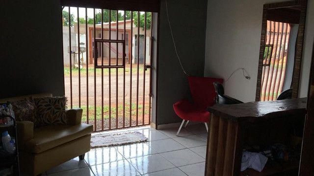 Vende-se casa com terreno grande - Foto 5
