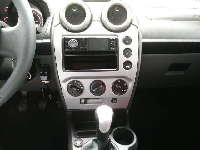 Fiesta 1.6 Mpi Class Sedan 8V Flex 4 portas Manual 2013 - Foto 9