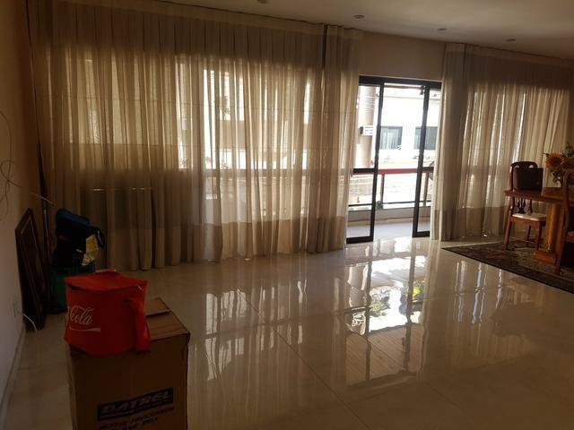 Apartamento para Venda em Nova Iguaçu, Centro, 3 dormitórios, 3 suítes, 4 banheiros, 2 vag