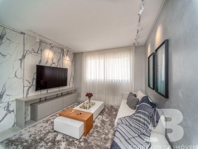 Apartamento mobiliado, equipado e decorado, 03 suítes, sacada com espaço gourmet, 02 vagas - Foto 2