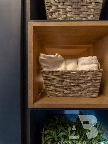 Apartamento mobiliado, equipado e decorado, 03 suítes, sacada com espaço gourmet, 02 vagas - Foto 16