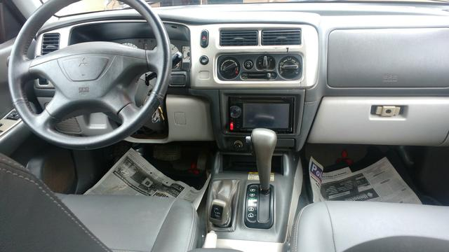 Pajero Sport diesel automática