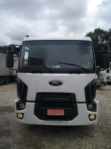 Ford Cargo 1519, ano 2013 c/ ar condic, V/H, Pneus ok