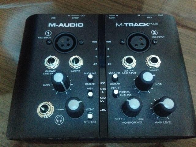 Placa de áudio M-track plus + pro tools