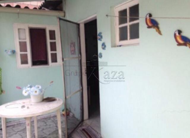 Casa à venda com 2 dormitórios em Jardim olaria, Caraguatatuba cod:V30284LA