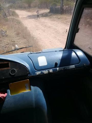 Microonibus MB 710 Comil 2002 - Foto 7