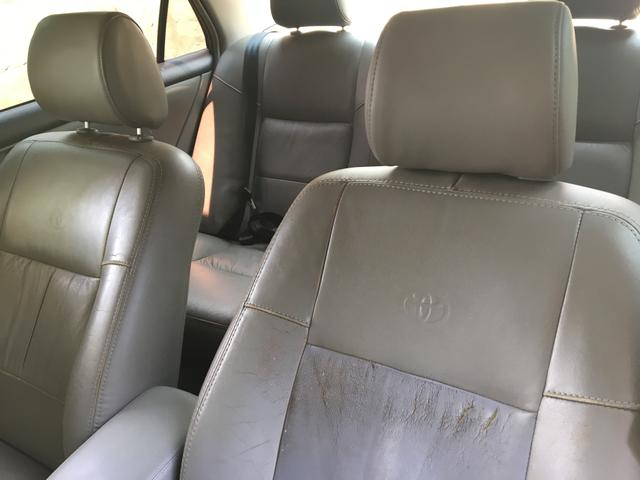 Vendo Toyota Corolla 2004 automático - Foto 5