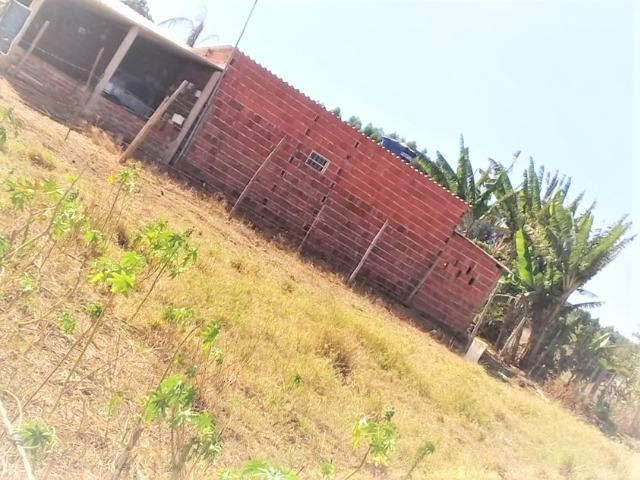 Lote 450 m²,Incra 06, com 2 casas 30 metros do asfalto,condomínio fechado - Foto 2