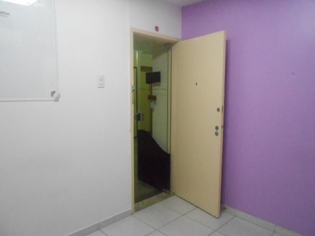 Sala Comercial na Avenida Nossa Senhora de Copacabana 1059 sala 204