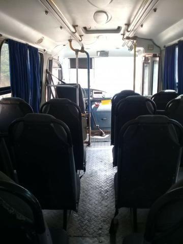 Microonibus MB 710 Comil 2002 - Foto 9