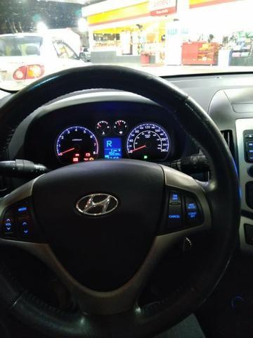 Hyundai I30 c/TETO 2011 Baixo KM - Foto 8