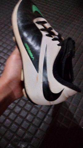 Chuteira campo Nike numero 31 entrego limpa  - Foto 6