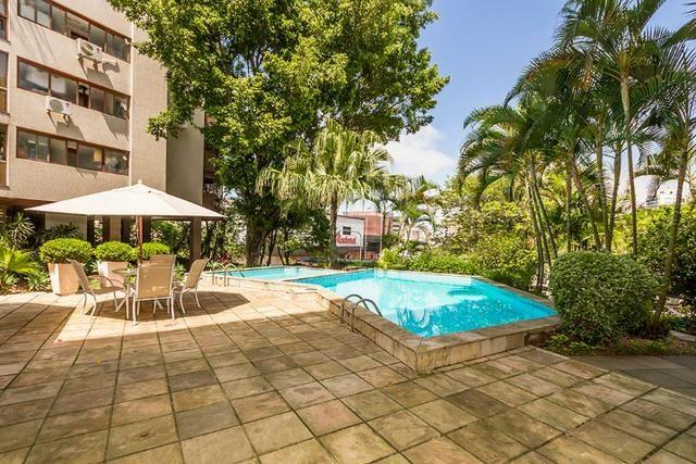 Cobertura, 4 dormitórios (2 suítes) ,garagem p/3carros Bairro Petrópolis
