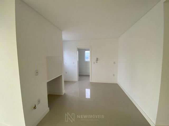 Apartamento andar alto com 3 Suítes 2 Vagas no Centro em Balneário Camboriú - Foto 18