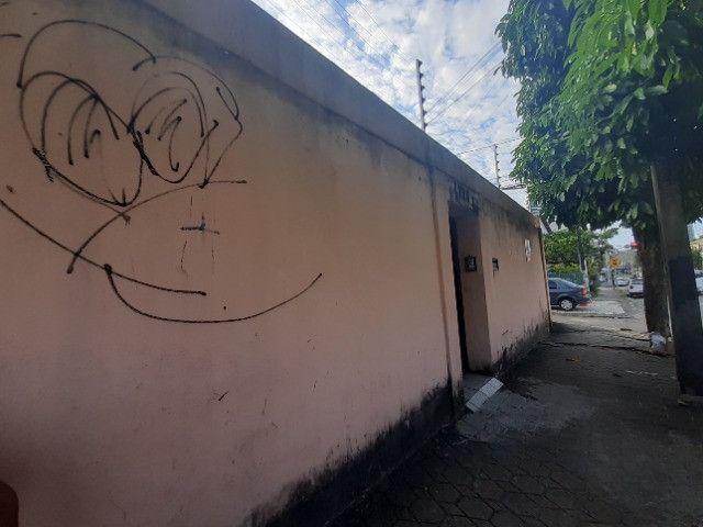 Centro - Casa Plana 308,00m² com 3 quartos e 2 vagas - Foto 2