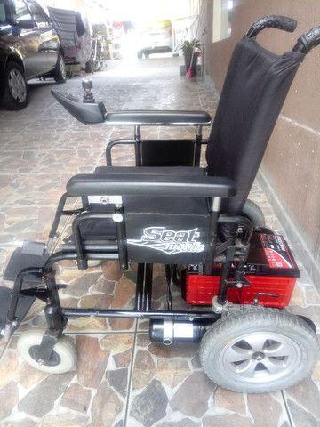 Cadeira de rodas motorizada - Foto 2