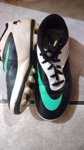 Chuteira campo Nike numero 31 entrego limpa  - Foto 5