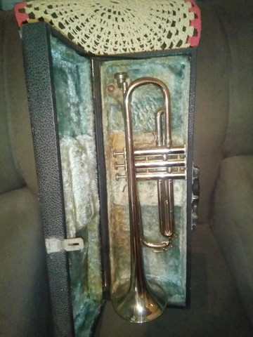 Trompete Completo com Estojo - Foto 2