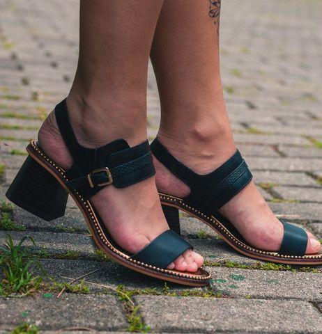 Sandália de Couro Cravo e Canela Nova  - Foto 2