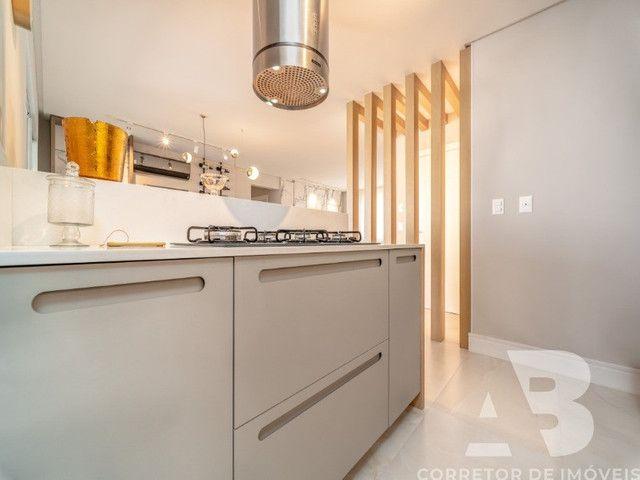 Apartamento mobiliado, equipado e decorado, 03 suítes, sacada com espaço gourmet, 02 vagas - Foto 12