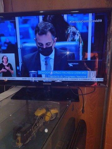 "TV Samsung 40"" LED 890,00"
