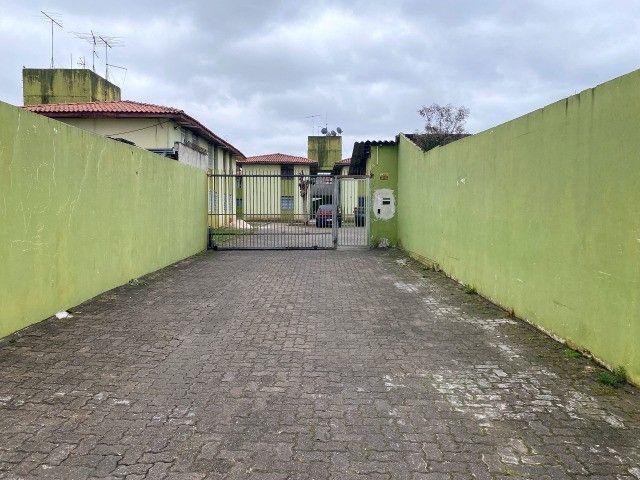 Apartamento no Condomínio Conjunto Moradias Belém III, Boqueirão