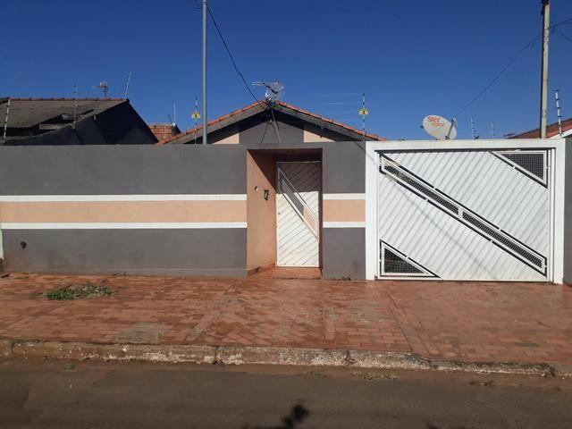 Vendo casa na Cohab interessados ligar ou mandar msg no whats 99323 7604