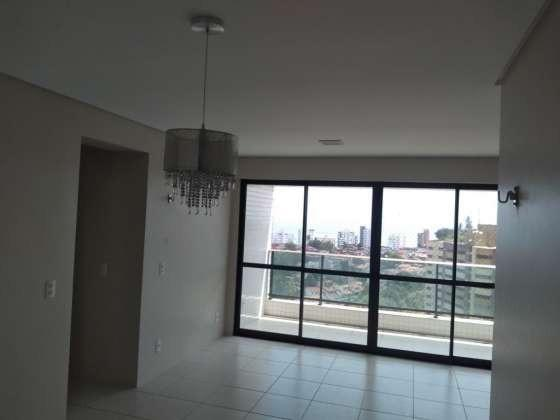 Vendo otimo apartamento com bela vista andar alto sombra 2 vagas cobertas petropolis - Foto 2