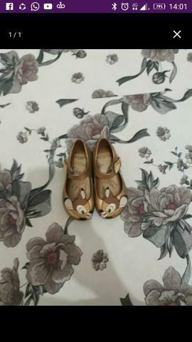 Vendo linda sandália Melissa