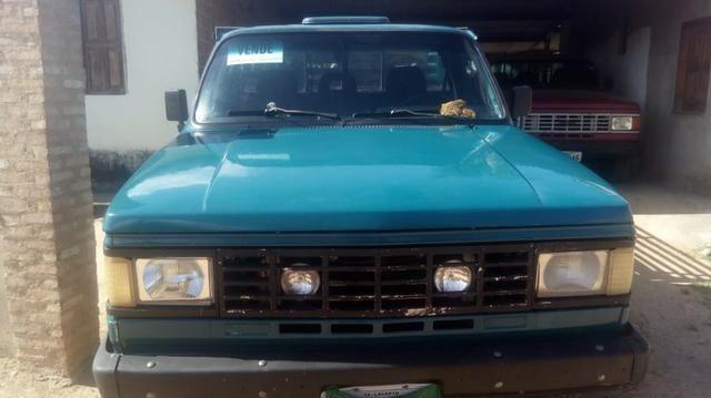 Chevrolet D-20 Custom com carroceria de madeira - Foto 2