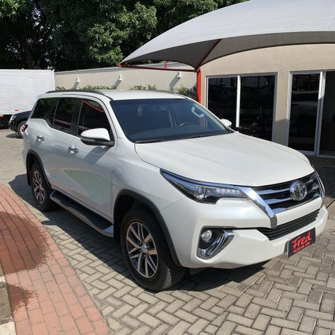Toyota SW4 2017 7 lugares diesel - Foto 3
