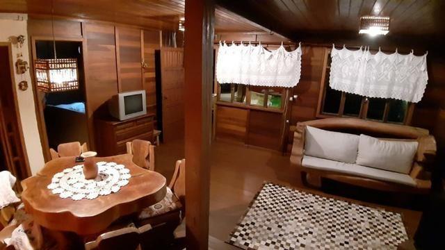 Casa Mobiliada com 4 QTS em condomínio Fechado nas localidades Domingos Martins e Marechal