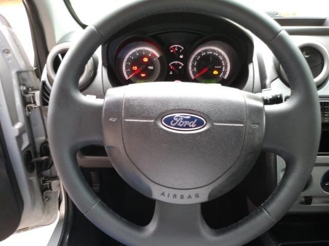 Fiesta 1.6 Mpi Class Sedan 8V Flex 4 portas Manual 2013 - Foto 8